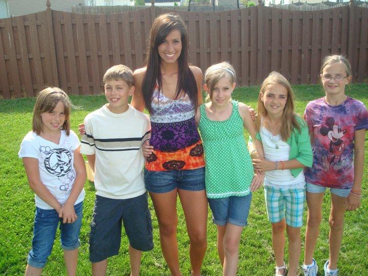 Summer outside siblings