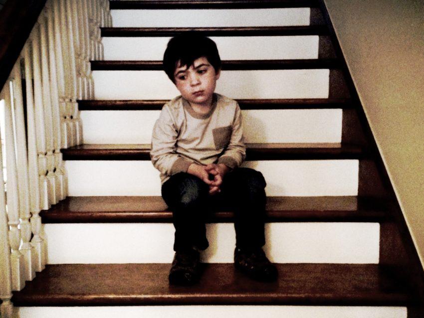 child-alone-_-credit-needed
