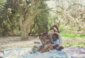 siblings - mom - tickle - spring